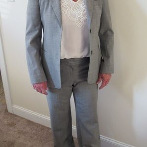 Theory Gray Pant Suit size 8